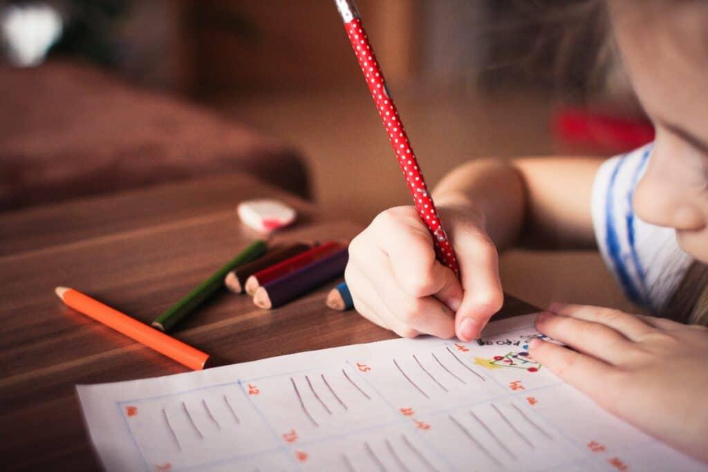 Hausaufgaben ohne Stress - tolle Tipps für Eltern